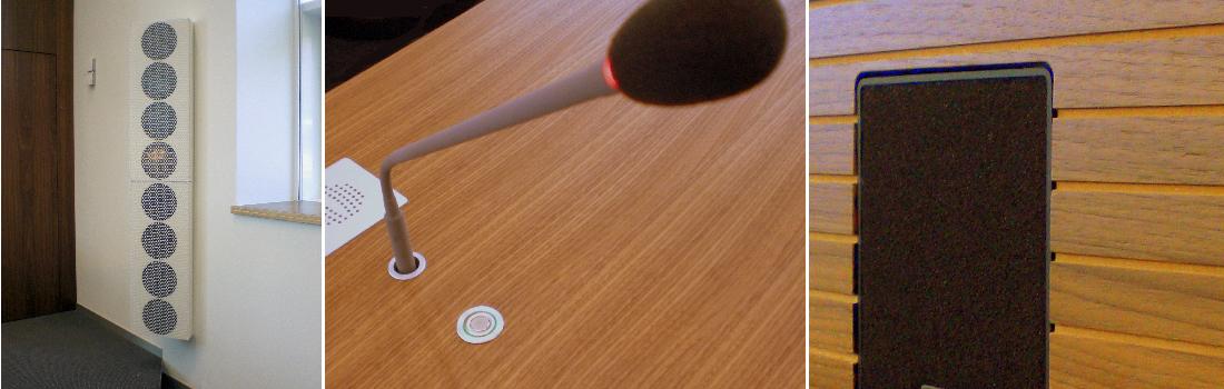 Das Bild zeigt eine Collage des Projekts LRA Landshut. Links sind sondergefertigte Lautsprecher in Biegewellentechnologie zu sehen, die sich dezent an die Wand angeschmiegen. Rechts ein bündig in die Tischfront eingebauter Kleinlautsprecher. In der Mitte eine Schwanenhalsmikrofon mit Leuchtring und bündig eingebauter Halterung sowie Aktivierungstaste mit grünem Leuchtring.