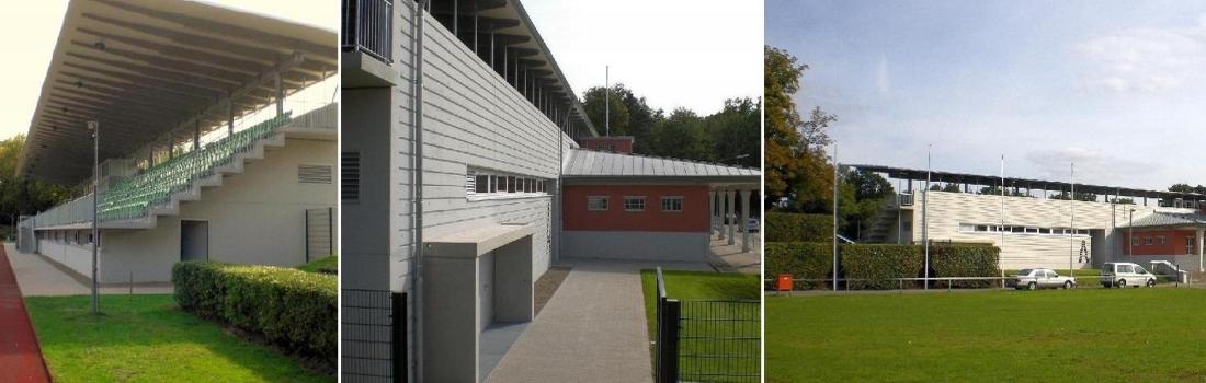 Das Bild zeigt eine Collage des Projekts Fussballstadion Bamberg. Links ist die Haupttribüne zu sehen, rechts das Tribünenhaus von hinten mit anteiligem Eingangsgebäude. In der Mitte ist das zentrale Eingangsgebäude zu sehen, das historisch ist und von der alten Tribüne stammt.